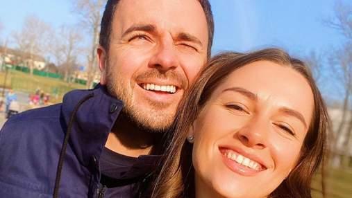 Дружина Григорія Решетника поділилася весняним селфі з коханим