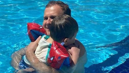 Юрий Горбунов показал развлечения с сыном в бассейне: трогательный кадр