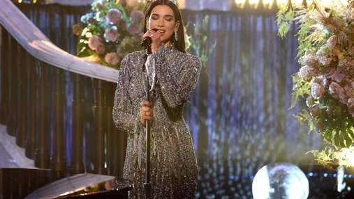 Дві розкішні сукні: Дуа Ліпа підкорила вбранням вечірку Оскара