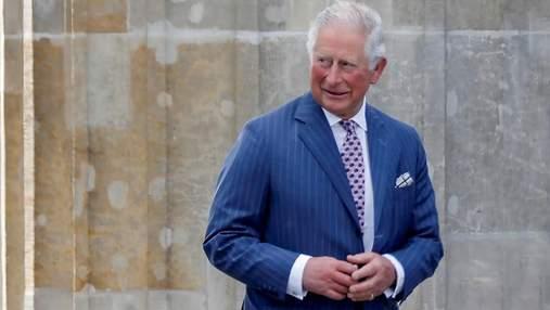 """""""Пальці-сосиски"""" принца Чарльза у топі найпопулярніших запитів британців у Google: чому"""