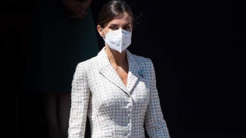 Королева Летиція повторила образ у молочній сукні, яку одягала 15 років тому: розкішні кадри