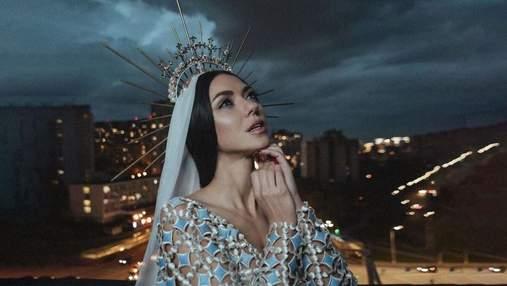 """В образе княгини: Виктория Смеюха из """"НеАнгелов"""" начала сольную карьеру"""