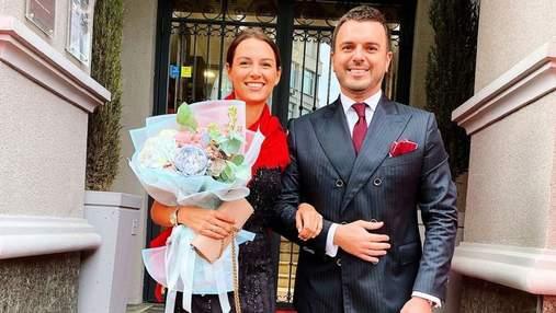 Григорій Решетник відвідав світський захід разом із дружиною: ефектне фото зіркової пари