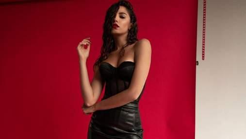 """Победительница шоу """"Холостяк"""" взбудоражила сеть сексуальным образом: горячее фото"""