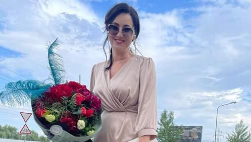 Соломія Вітвіцька приголомшила ніжним образом у бежевій сукні: фото з весілля
