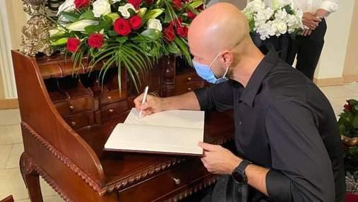 Влад Яма попрощався з Григорієм Чапкісом зі сльозами на очах: чуттєві фото
