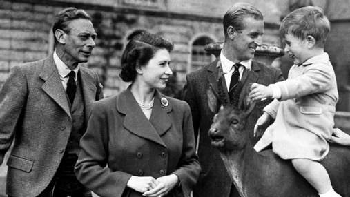 Королівська сім'я привітала з Днем батька: архівні фото та миловидне відео