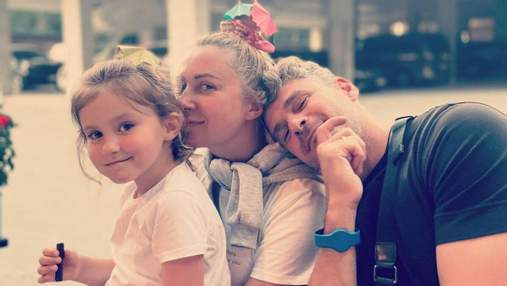 На відпочинку: Тоня Матвієнко зачарувала рідкісним фото з чоловіком і донькою