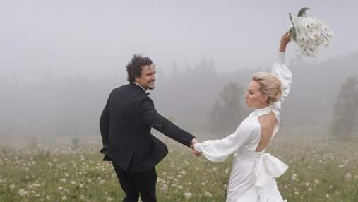 Тарас Цимбалюк захопив фото з весілля в Карпатах: неймовірні кадри