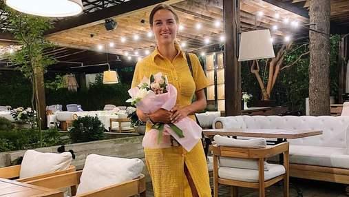 Дружина Григорія Решетника приголомшила літнім образом: фото у жовтій сукні