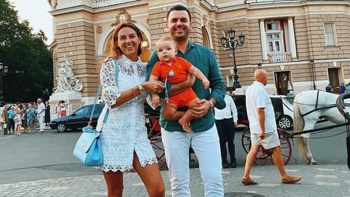 Григорій Решетник з дружиною та сином відпочиває в Одесі: фото