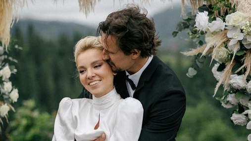Тарас Цимбалюк пояснив, чому не запросив журналістів на весілля в Карпатах