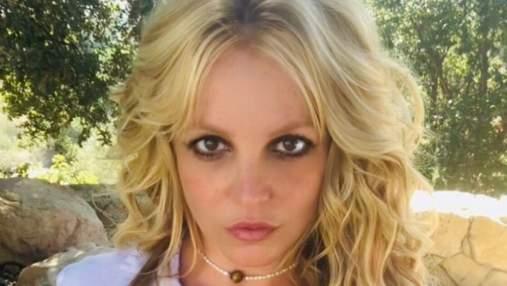 Брітні Спірс розбурхала мережу фото, де показала оголені груди
