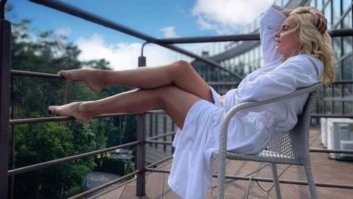 Лілія Ребрик релаксувала у білому халаті: фото