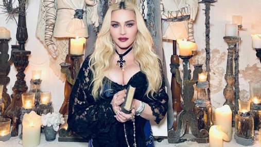 Мадонна позировала в эпатажной фотосессии в церкви: фото с отдыха в Италии