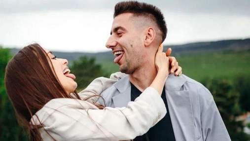 Ксенія Мішина та Олександр Еллерт засвітились на весіллі друзів: несподівані кадри