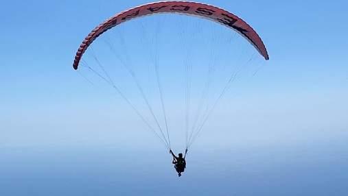 Даша Астаф'єва політала на параплані над морем: казкові фото та відео