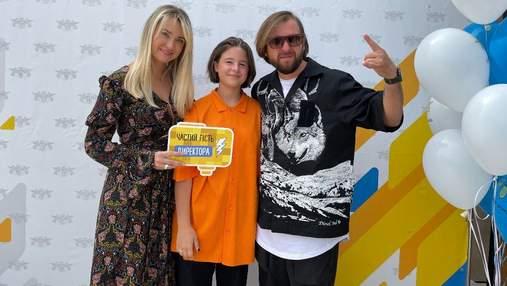 Лідер гурту БЕZ ОБМЕЖЕНЬ Сергій Танчинець повів доньку до школи: ексклюзивні фото