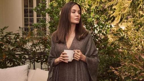 Анджелина Джоли впервые опубликовала фото дочерей: миловидные кадры