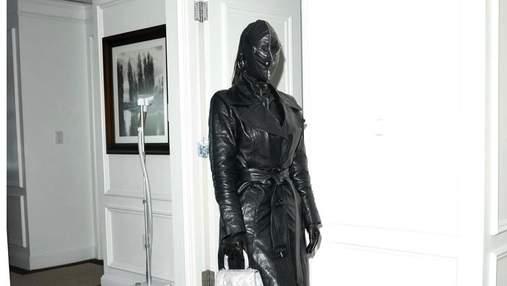 Ким Кардашьян смутила образом в кожаной балаклаве: фото провокационного выхода