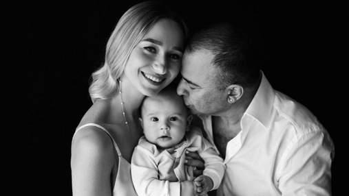 Дружина Віктора Павліка вперше показала обличчя сина: сімейне фото