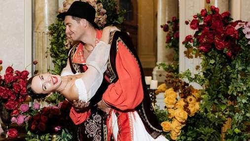 Дружина Володимира Остапчука відсвяткувала день народження у циганському стилі: фото з вечірки