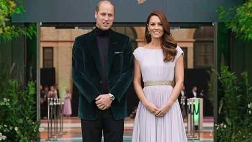 Кейт Міддлтон та принц Вільям виступили на церемонії: фото вишуканого образу герцогині